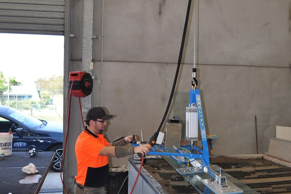 Vaclift-CVL350PT-lifting-glass-(12)